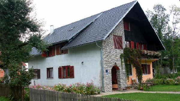 Jezerce Pansion House Prijeboj