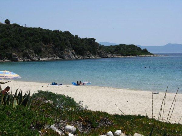 tengerpartja, strandja