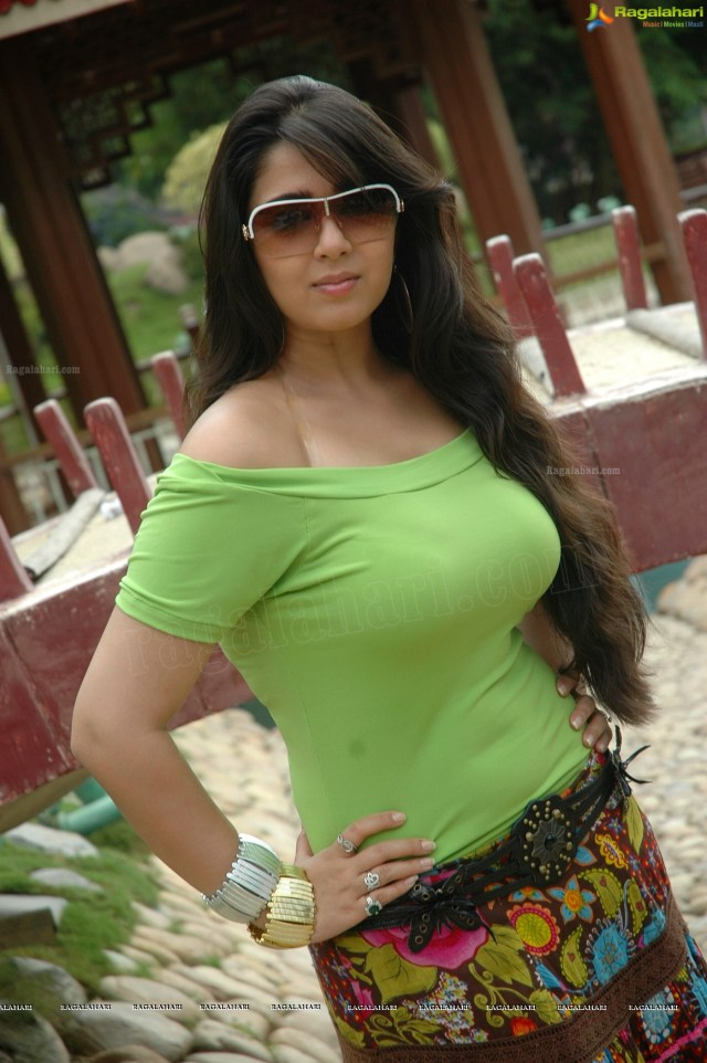 Charmi Hot Saree Photos Charmi Hot Saree Photos