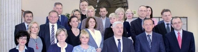 Ilustracja - grupa prokuratorów PA Szczecin - wycinek