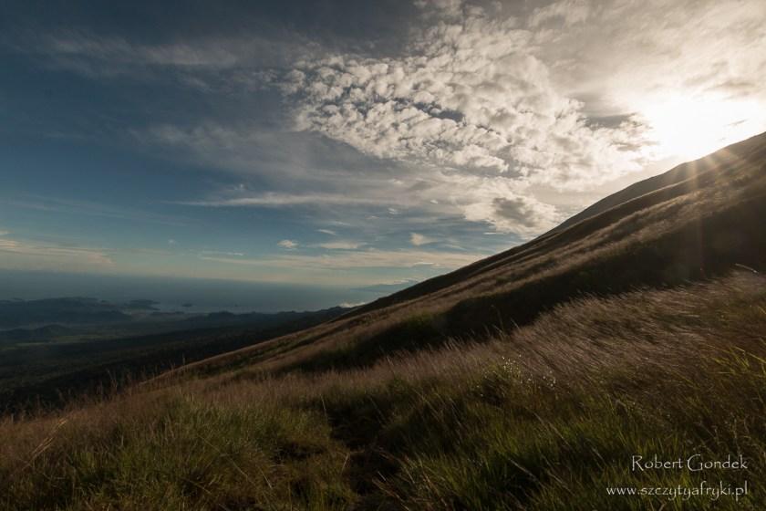 Widok z drogi na Mount Cameroon - najwyższą górę w Kamerunie