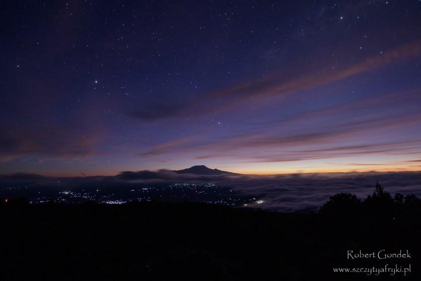 Widok z drogi na Mount Meru