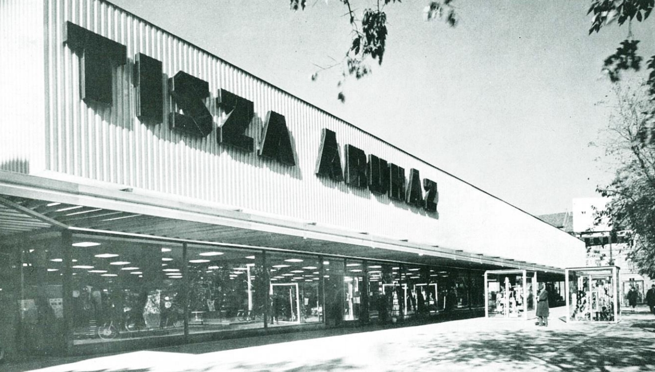 centrum áruház f