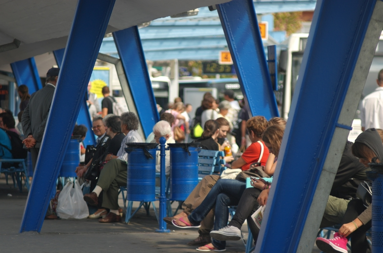 mars tér busz állomás buszállomás 2011 utas pad várakozás f sándor zsolt