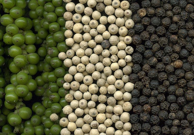 Zöld-fehér-fekete bors