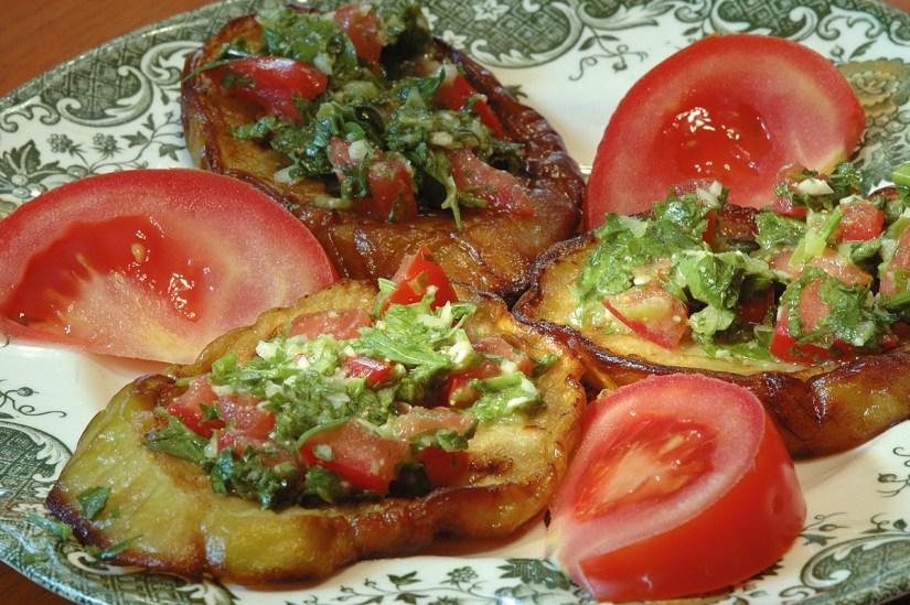 Libanoni padlizsán saláta