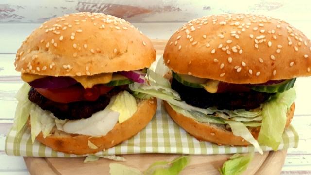 Szénhidrátcsökkentett hamburger zsemlében
