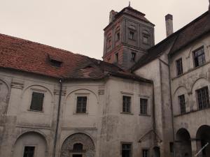 ciekawe miejsca na weekend - zamek w Niemodlinie