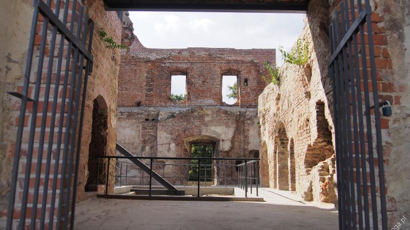 zamek w Ujeździe (opolskie)