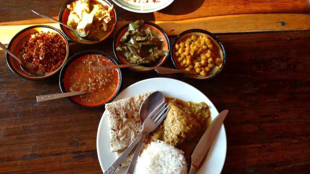 Birma - obiad w indyjskiej knajpie