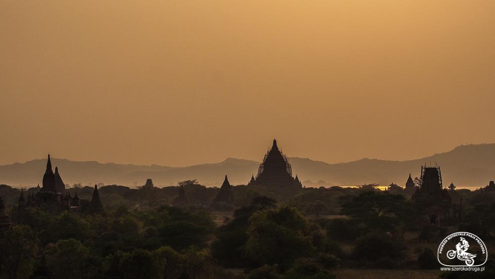 zwiedzanie Bagan sunset sunrise