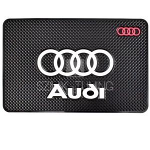 Audi csúszásgátló telefontartó autószőnyeg
