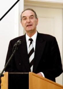 Prof.Dr. Alfred Jäger  Forrás: http://www.diakonie-mitteldeutschland.de