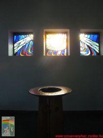 Keresztelő tál és három ólomablak