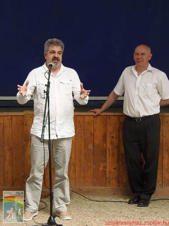 Beszterczey András irodavezető úr, köszöni meg Bogárdi Szabó István püspök úr szolgálatát