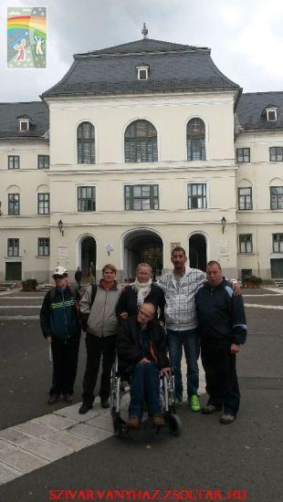 Sárospataki Református Kollégium udvarán