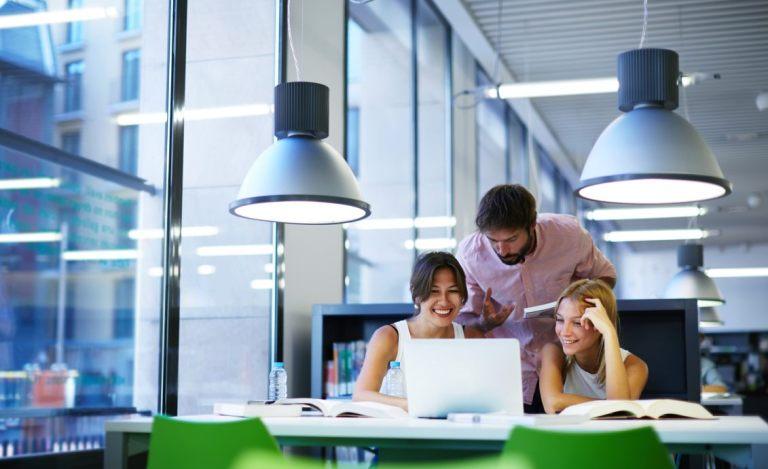 Jak wygląda szkolenie online w Szkole Analityków?