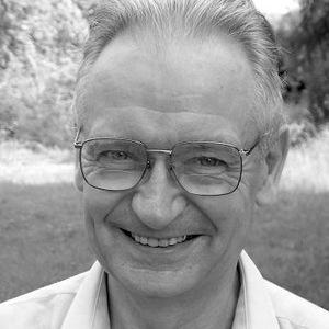 Henri Blocher Francia evangelikál teológus, avaux-sur-seine-i teológiai iskola és az amerikai Wheaton College rendszeresteológia-professzora. Korábban a FEET elnöke. 1975 és 1980 között résztvevője volt a Billy Graham által alapított Lausanne Mozgalomnak. Termékeny író, Magyarországon a Kezdetben című könyve jelent meg (Harmat, 1998), amely a teremtéselmélettel foglalkozik.