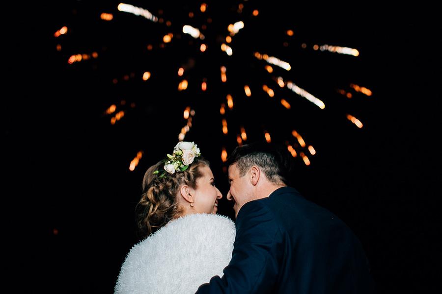 fajerwerki na weselu