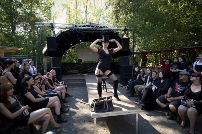 #29 -- Modenschau von Eve Couture