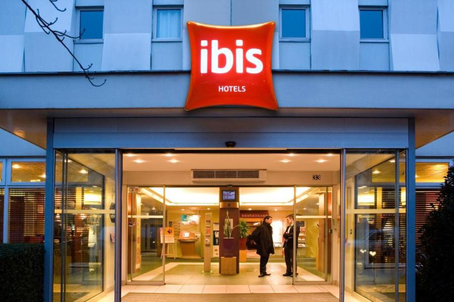 Hotel ibis Paris Porte D Orleans  Montrouge  France   Booking com Gallery image of this property Gallery image of this property