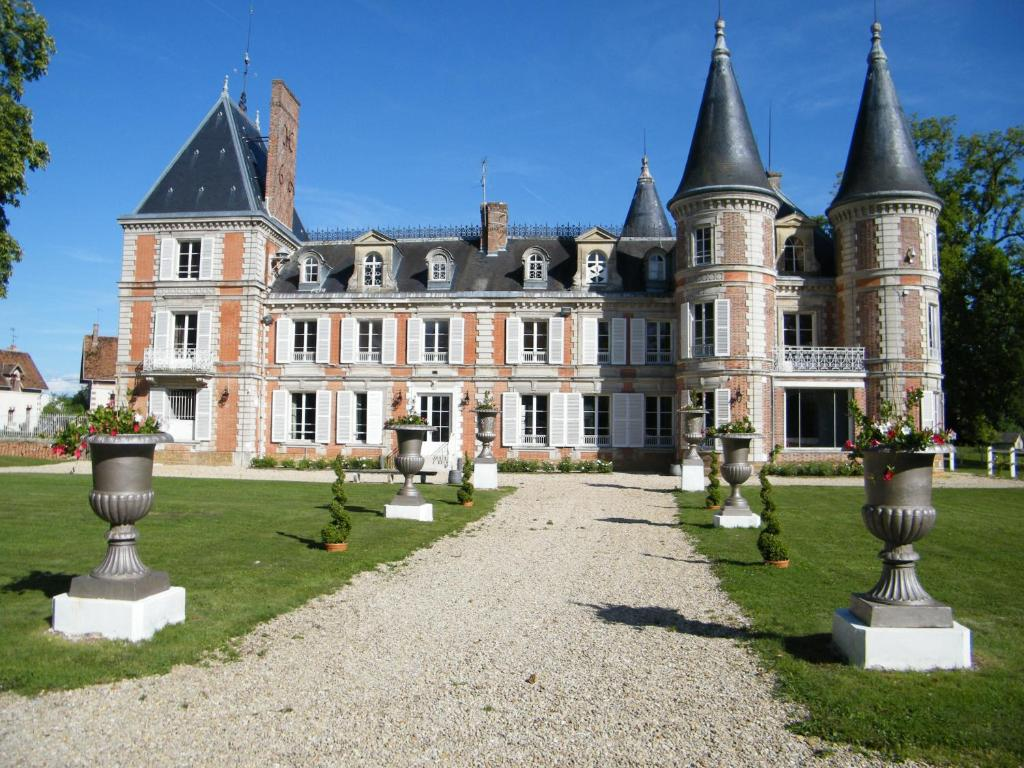 Château de la plumasserie non loin du GR1