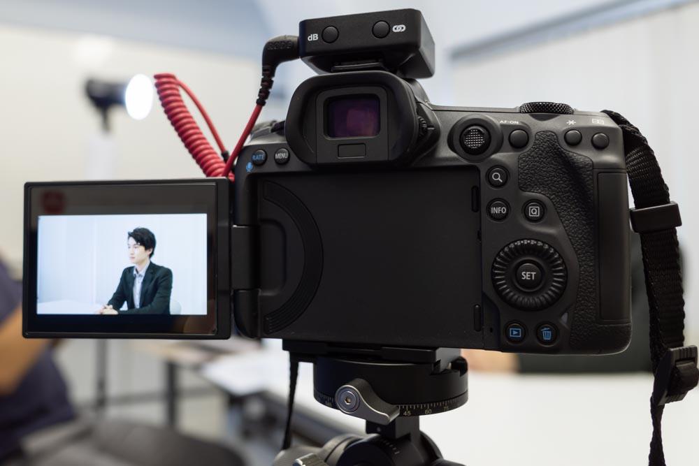 EOS R5でインタビュー動画撮影