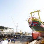 東海汽船のの新造客船 3 代目「さるびあ丸」 進水式を見学 クラツーら旅行会社3社がツアーを造成