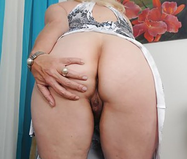 Hot Granny Booty Pics