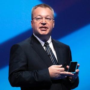 Stephen Elop, diretor-executivo da Nokia, apresenta primeiro smartphone da empresa com o sistema operacional Windows Phone, da Microsoft