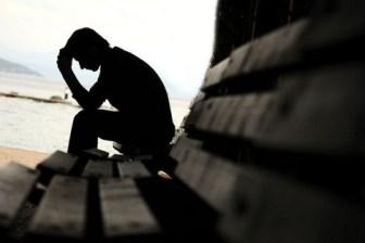 depression_626618543 أخصائي يحذر من الشعور المستمر بالحزن الشديد المزيد