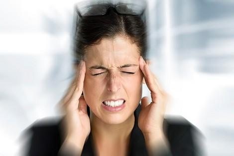 malade9_425064061 تطبيق إلكتروني يدعم رحلة علاج ارتجاجات المخ actualites