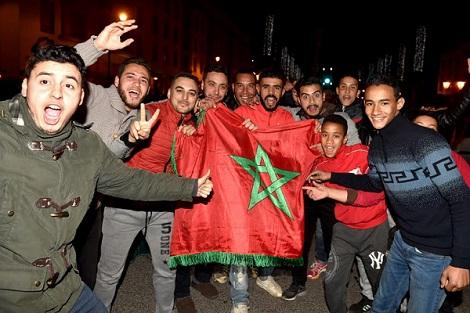 """فوز """"أسود الأطلس"""" يفجّر مشاعر الوطنية الكامنة في قلوب المغاربة"""