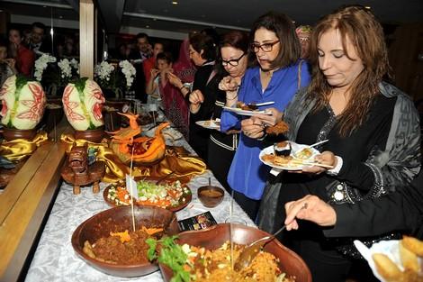 مأكولات إندونيسية شعبية تجذب مسؤولين ودبلوماسيين بالرباط