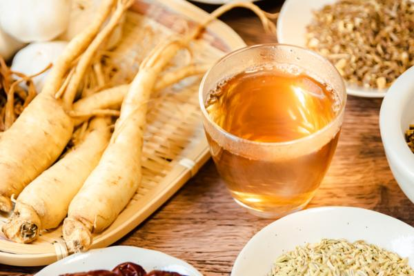 Tubers: what they are and examples - Ginseng, a root tuber widely used in medicine