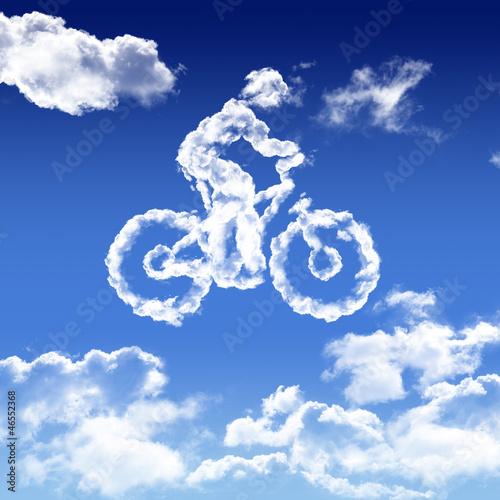 vélo dans le ciel