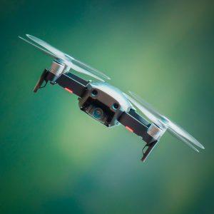 Amateur vs Professional Drone Pilots for Real Estate