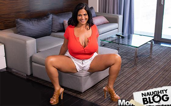 Mom POV - Kailani: Pawg MILF smothers you with her curves E554 (2019/FULLHD)
