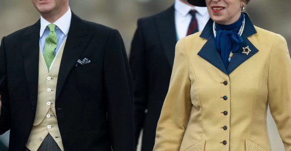 Princess Anne and Prince Edward amongst those calling for Queen