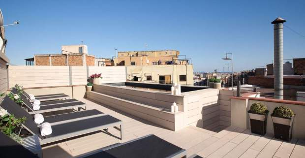 terrace-pool-apartment-holiday-gaudi-152-bcn-sagrada-familia_lg