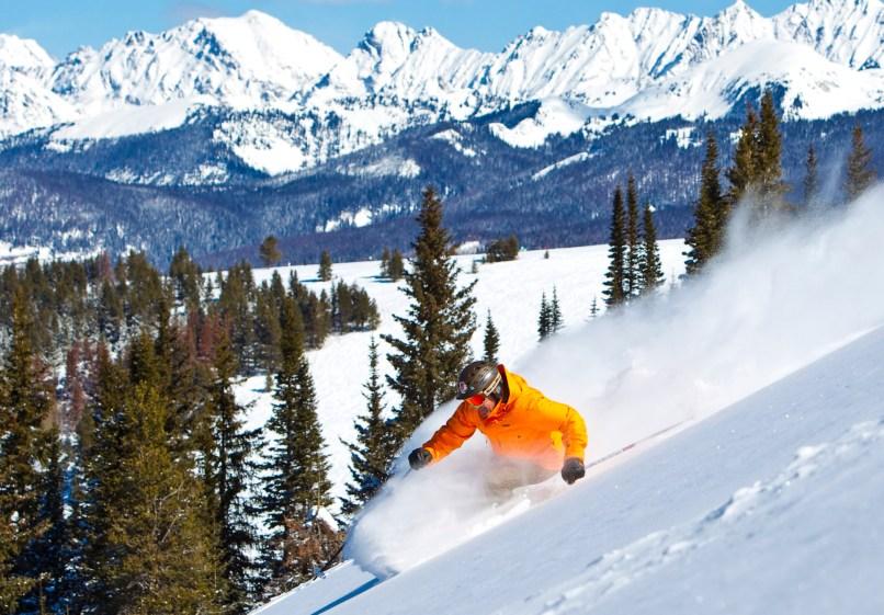 skiing-at-Vail