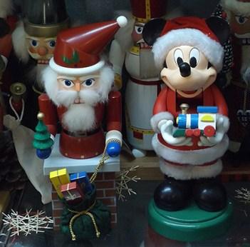 santa-and-mickey-mouse-nutcrackers