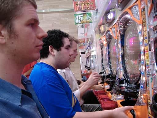 オンラインカジノと他のギャンブルとの違い