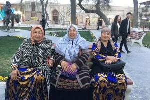 ブハラのおばちゃんたち