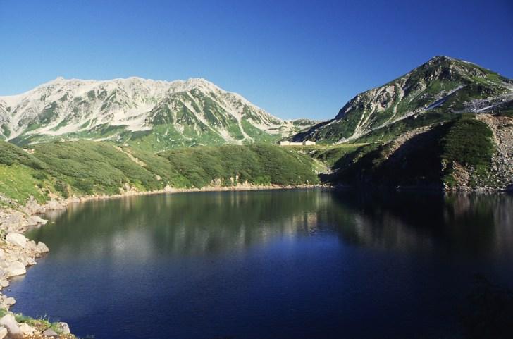ミクリガ池から眺める立山三山