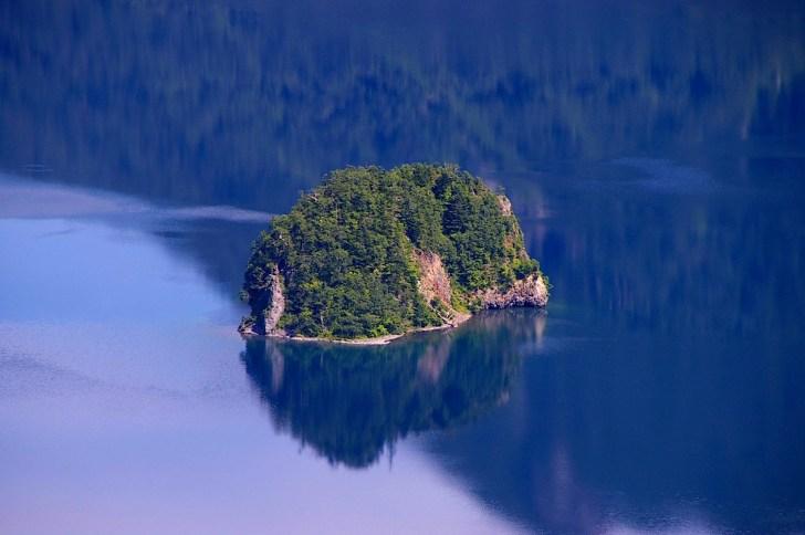 カムイシュ島