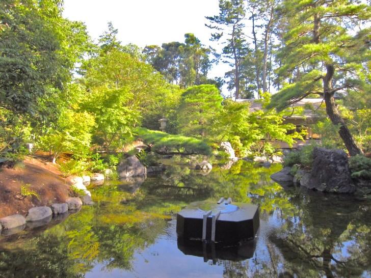 寒川神社・神苑