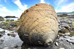 おっぱい岩