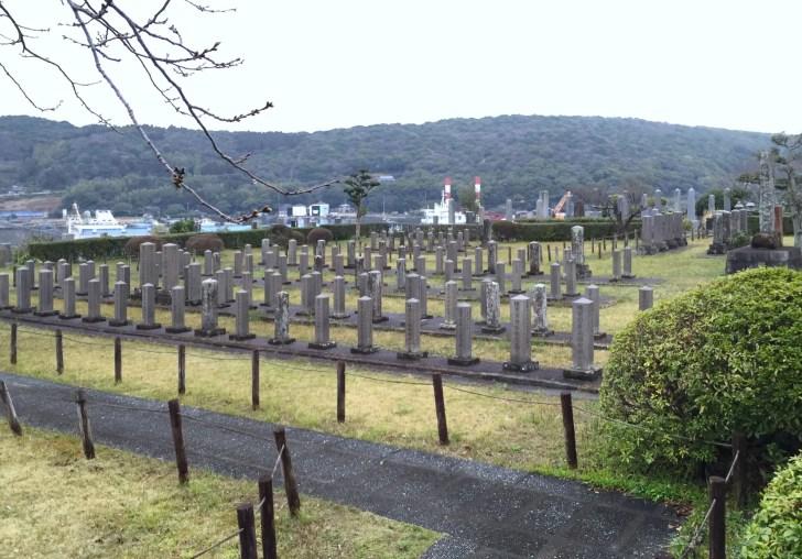 西南の役細島官軍墓地