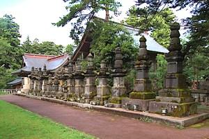 旧長岡藩主牧野家霊廟